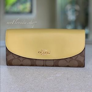 🔥Sale🔥NWT❗️COACH Wallet in Brown Yellow